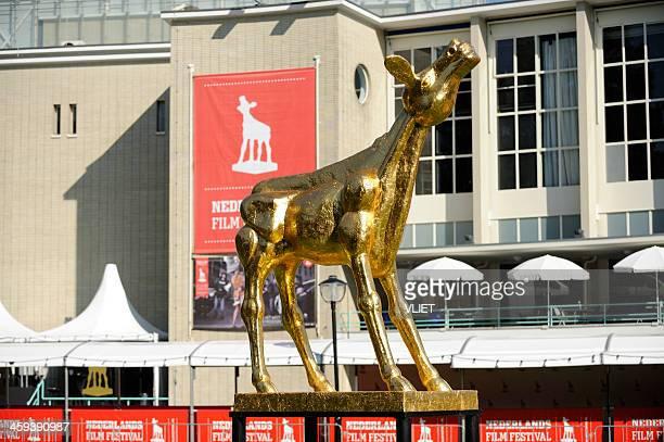 golden calf statue during the netherlands film festival in utrecht - filmfestival stockfoto's en -beelden
