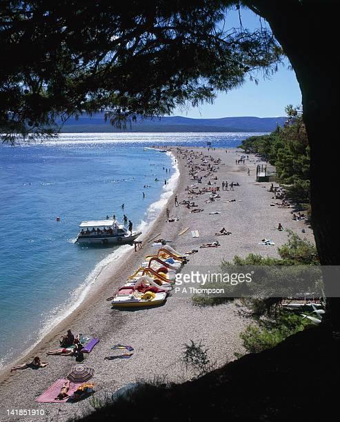 golden cape beach, bol, brac island, croatia - zlatni rat fotografías e imágenes de stock
