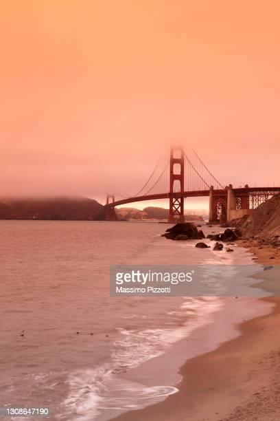 golden gate bridge in san francisco - massimo pizzotti foto e immagini stock