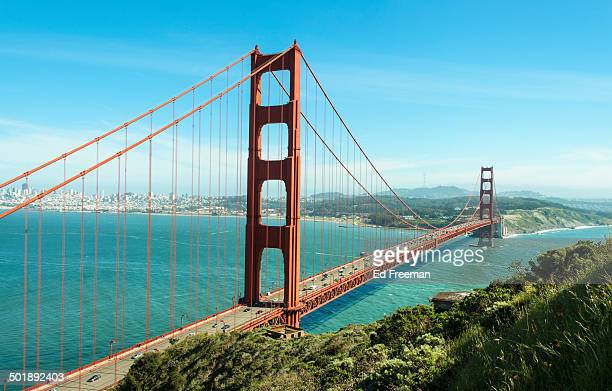 golden gate bridge on a sunny day - golden gate bridge stock pictures, royalty-free photos & images