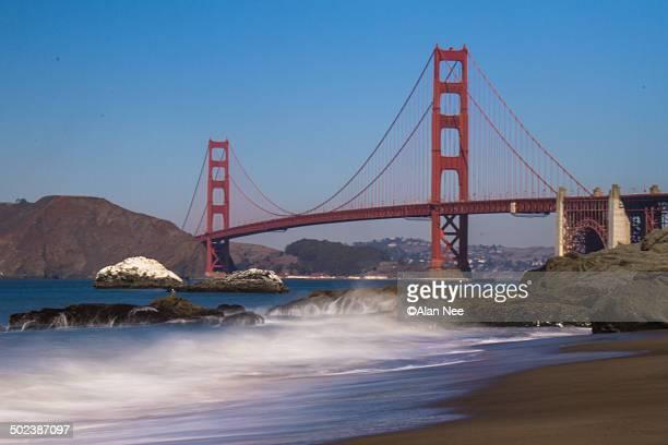 golden gate bridge - nee nee fotografías e imágenes de stock