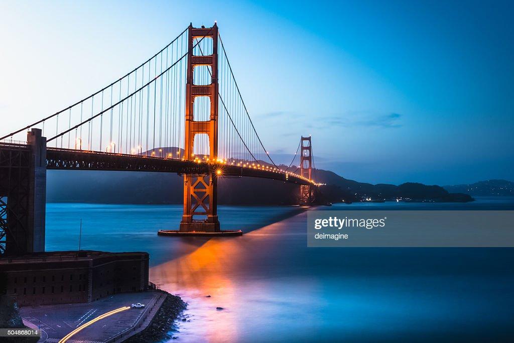 Golden Gate Bridge twilight, San Francisco Bay : Stock Photo