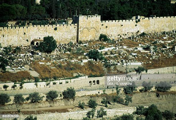 golden gate muslim Christ in prophecy archaeology 3:  like the golden gate  made because of the muslim cemetery that is located infront of the gate.