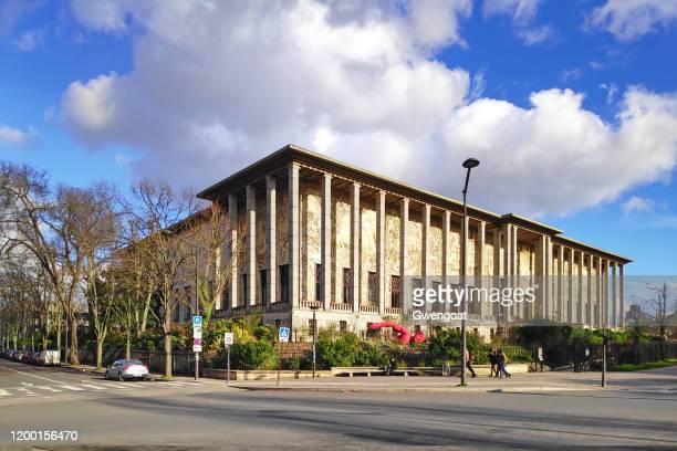 golden gate palace in parijs - gwengoat stockfoto's en -beelden
