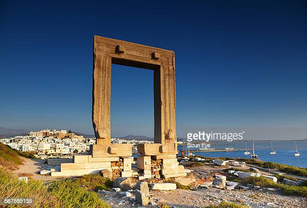golden hour in naxos - naxos stockfoto's en -beelden