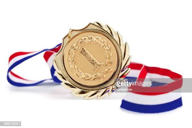 Medalha de Ouro isolado no branco,