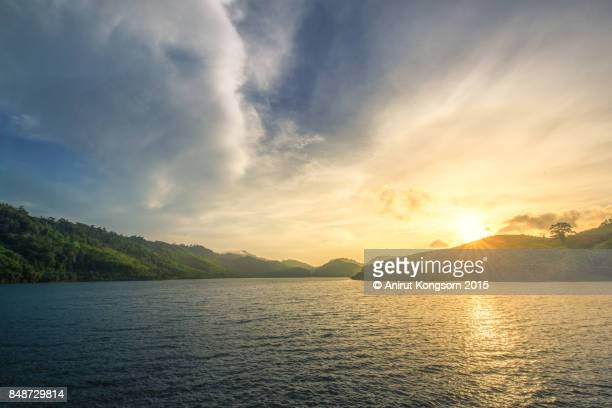 golden morinng light - lake stock pictures, royalty-free photos & images