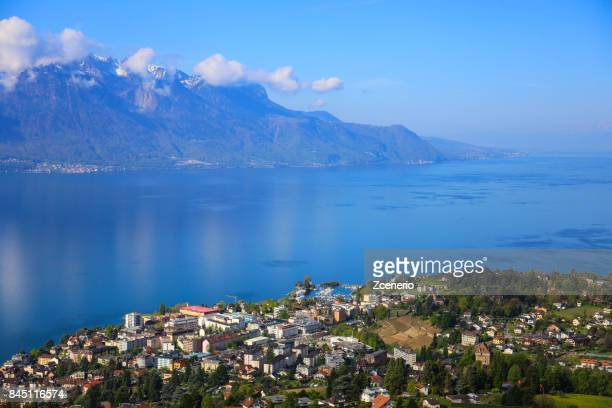 golden pass line along lake of geneva, swiss riviera, montreux, switzerland - kanton waadt stock-fotos und bilder