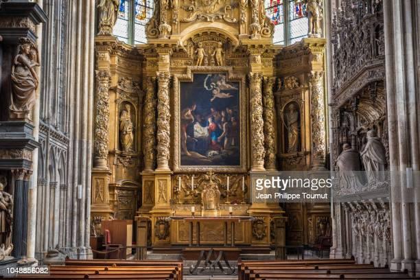 golden reredos and altar in the holy virgin chapel of the gothic cathedral of rouen, la chapelle de la vierge, cathédrale notre-dame de l'assomption de rouen, normandy, france - nave stock pictures, royalty-free photos & images