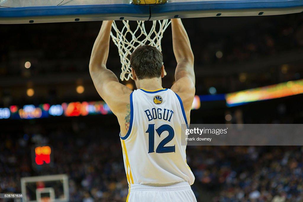 Golden State Warrior Andrew Bogut Dunks. : News Photo