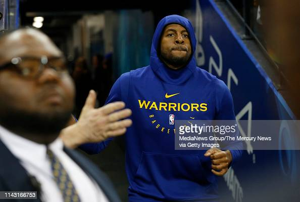 188ac33e48c7e3 Golden State Warriors  Andre Iguodala heads to the court to warm up... News  Photo