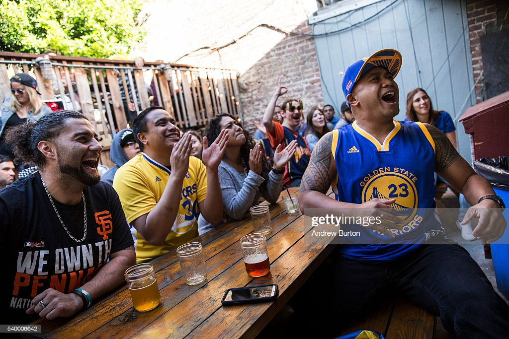 Golden State Warriors Fans Watch Game Five In San Francisco : News Photo