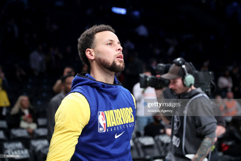 Golden State Warriors pregame at Brooklyn Nets---verelim eng-tr : News Photo