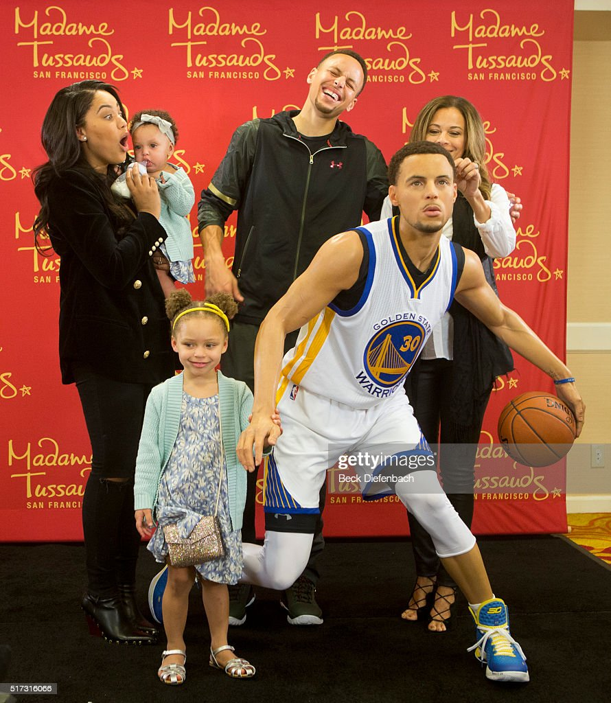Madame Tussauds San Francisco Reveals Wax Figure Of Golden State Warriors Point Guard Stephen Curry In Oakland On March 24 : News Photo