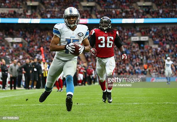 Golden Tate of the Detroit Lions runs through to score a touchdown in the third quarter during the NFL match between Detroit Lions and Atlanta...