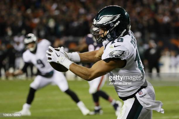 Golden Tate of the Philadelphia Eagles completes a reception to score a touchdown against the Chicago Bears in the fourth quarter of the NFC Wild...