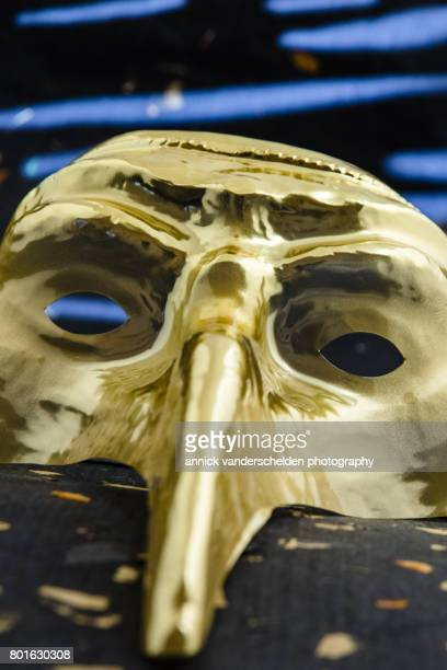 golden venetian plague doctor mask. - pest stock photos and pictures