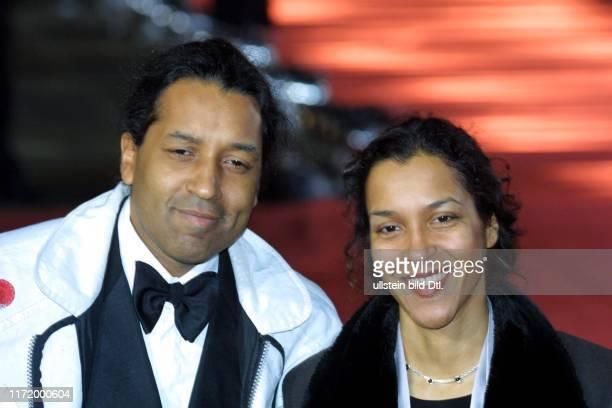 Goldene Kamera 2001 Berlin Gendarmenmarkt Schauspielhaus Konzerthaus Hoerzu Cherno und Francine Jobatey