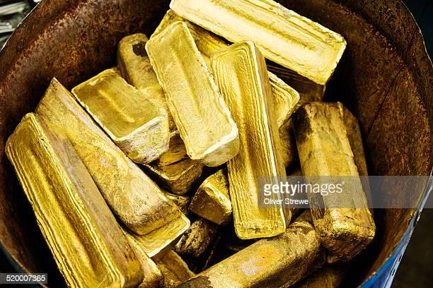 Goldern ingots