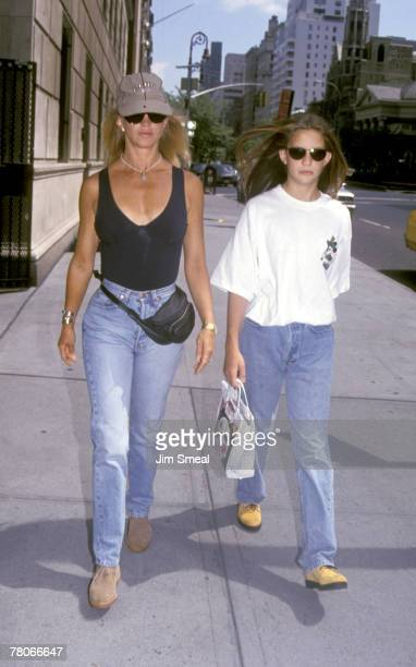 Goldie Hawn and daughter Kate Hudson