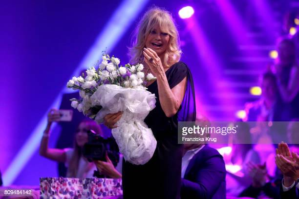Goldie Hawn attends the Guido Maria Kretschmer Fashion Show Autumn/Winter 2017 presented by OTTO at Tempodrom on July 5 2017 in Berlin Germany