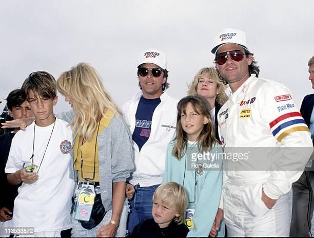 Goldie Hawn, Don Johnson, Kurt Russell, and children
