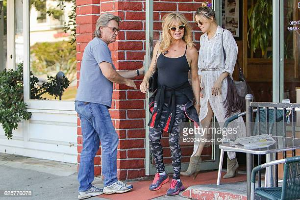 Goldie Hawn Kate Hudson and Kurt Russell are seen on November 25 2016 in Los Angeles California