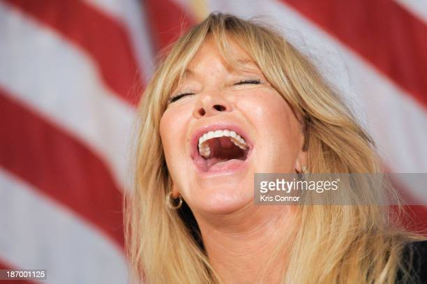 Goldie Hawn speaks on the topic of sciencebased programs to address emotional stress among children at The National Press Club on November 5 2013 in...