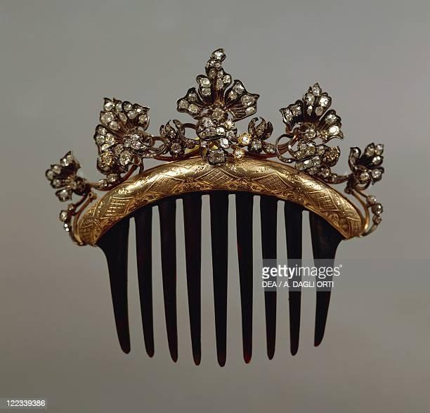 Goldsmith's art 18th century Tortoise shell diamonds and gold comb hairpin