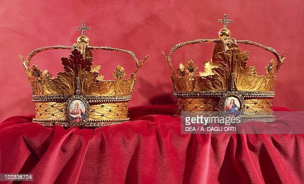 Goldsmith's art Russia 19th century Wedding crowns from Saint Petersburg
