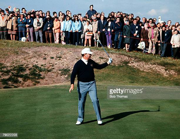 Golf 1967 Ryder Cup Champions Houston Billy Casper USA is pictured after putting on the green