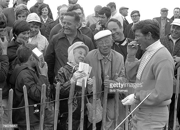 Golf 1970 British Open Championship at St Andrews A picture of Doug Sanders of the USA as he chats with the crowd of spectators He eventually lost to...