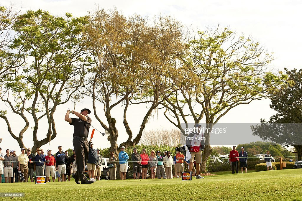 Phil Mickelson in action during Friday play at Bay Hill Club & Lodge. Fred Vuich F24 )
