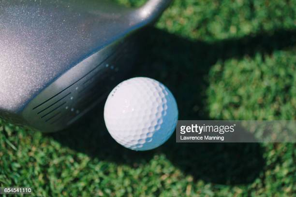 golf ball and club - driver golf club stock pictures, royalty-free photos & images