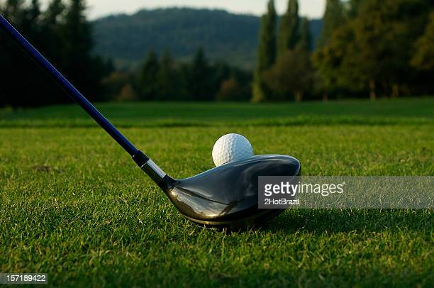 golf ball and driver - driver golf club stock pictures, royalty-free photos & images