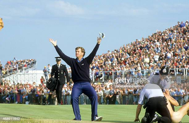 British Open Peter Jacobsen victorious after apprehending a streaker during Sunday play at Royal St George's GC Sandwich England 7/21/1985 CREDIT...