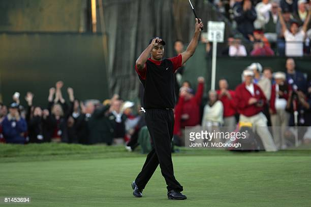 Golf: Buick Invitational, Tiger Woods victorious during Sunday play at Torrey Pines GC, La Jolla, CA 1/23/2005