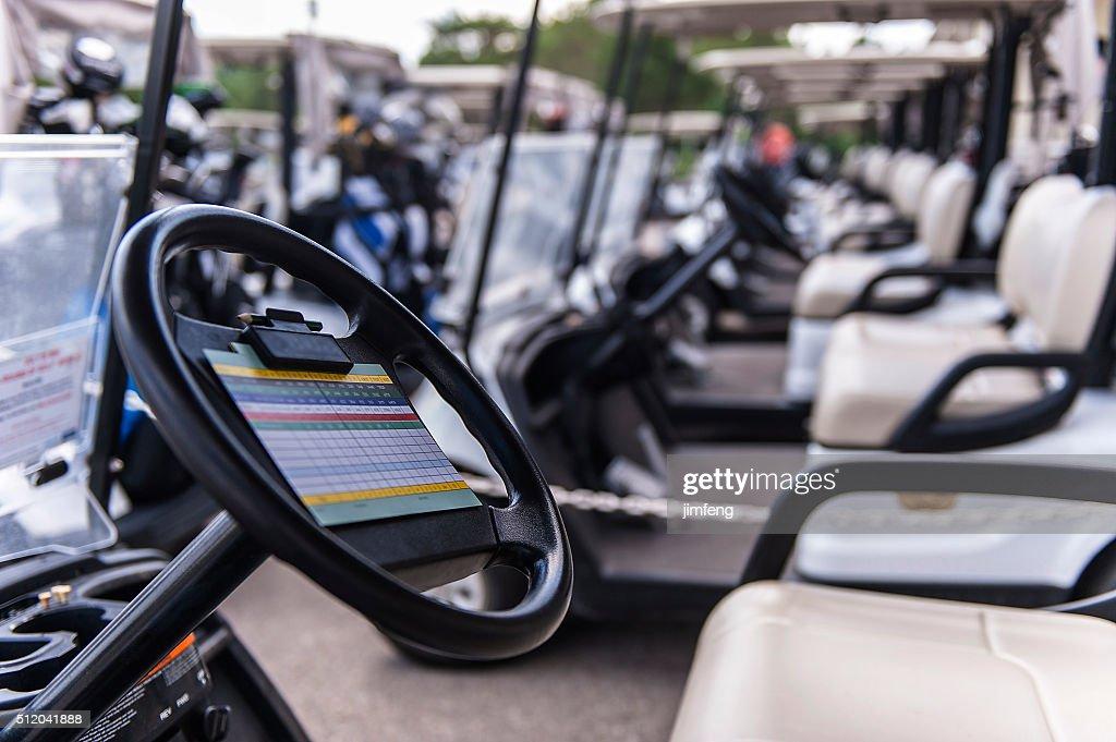 ゴルフカートで集合