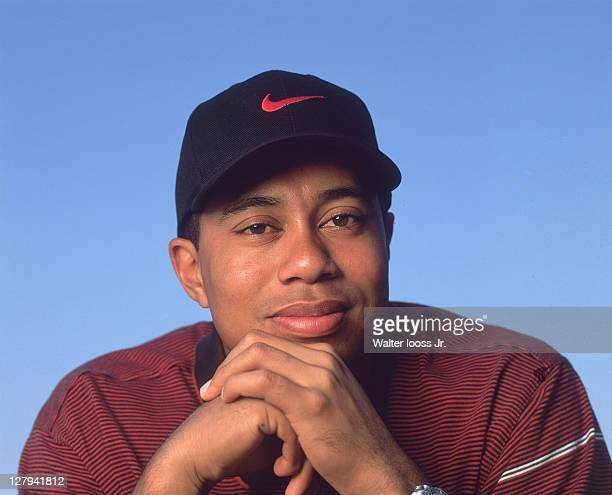 Closeup portrait of Tiger Woods during photo shoot at home in Isleworth CC. Windermere, FL 3/10/2000 CREDIT: Walter Iooss Jr.