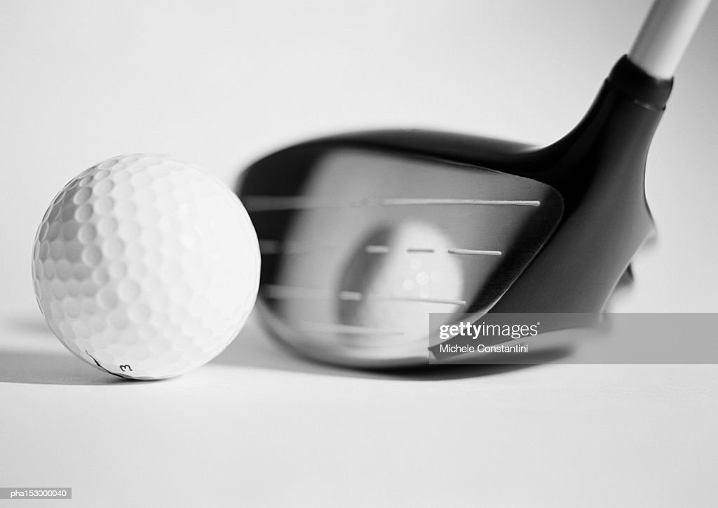 Golf club and ball, close-up, b&w. : Stockfoto