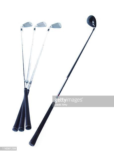 golf clubs on white background - golfclub stockfoto's en -beelden