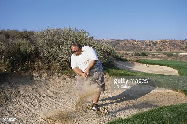 Course architect Tommy Naccarato in action from sand at Rustic Canyon GC Moorpark CA 5/5/2002 CREDIT JD Cuban