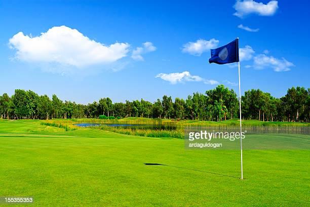 golf golfplatz - golfplatz green stock-fotos und bilder