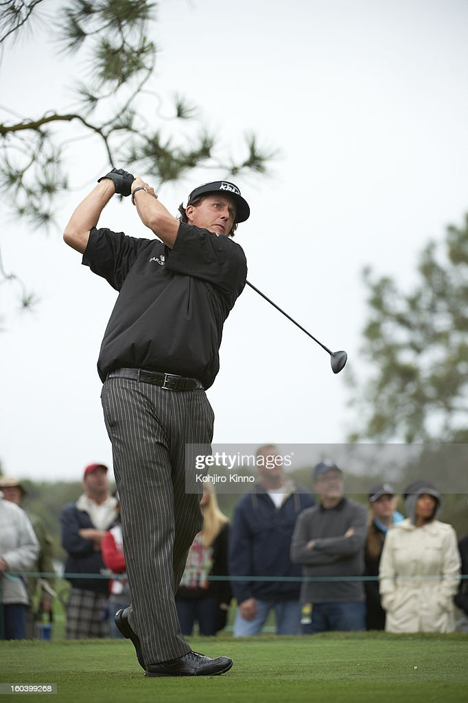Phil Mickelson in action, drive during Thursday play at Torrey Pines GC. Kohjiro Kinno F21 )