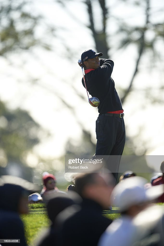 Tiger Woods in action, drive during Monday play at Torrey Pines GC. Robert Beck F7 )