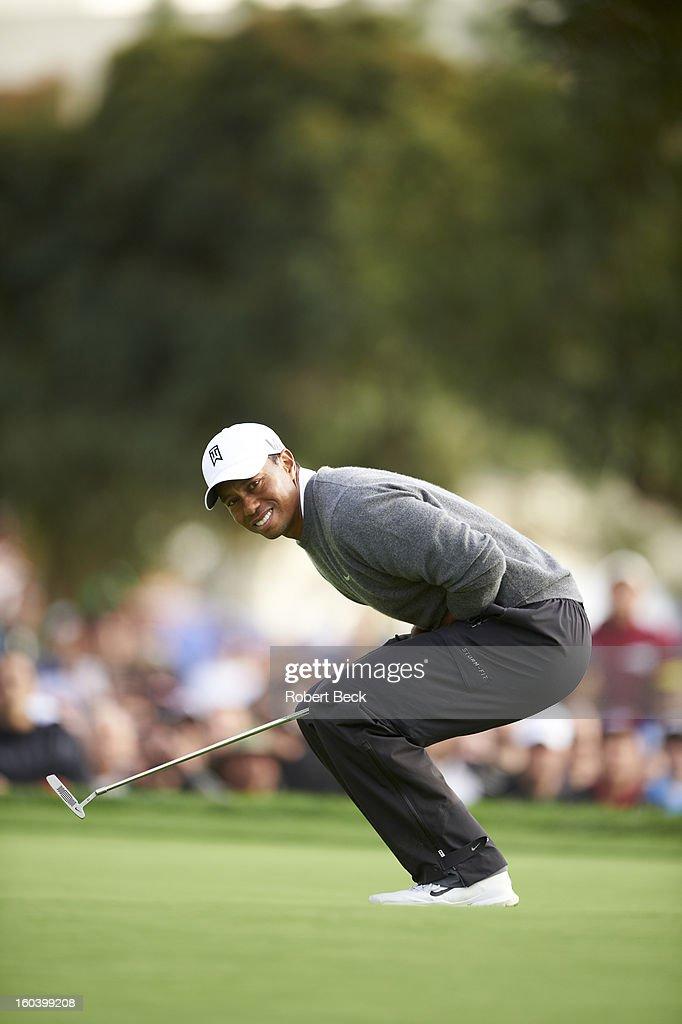 Tiger Woods upset during Sunday play at Torrey Pines GC. Robert Beck F348 )