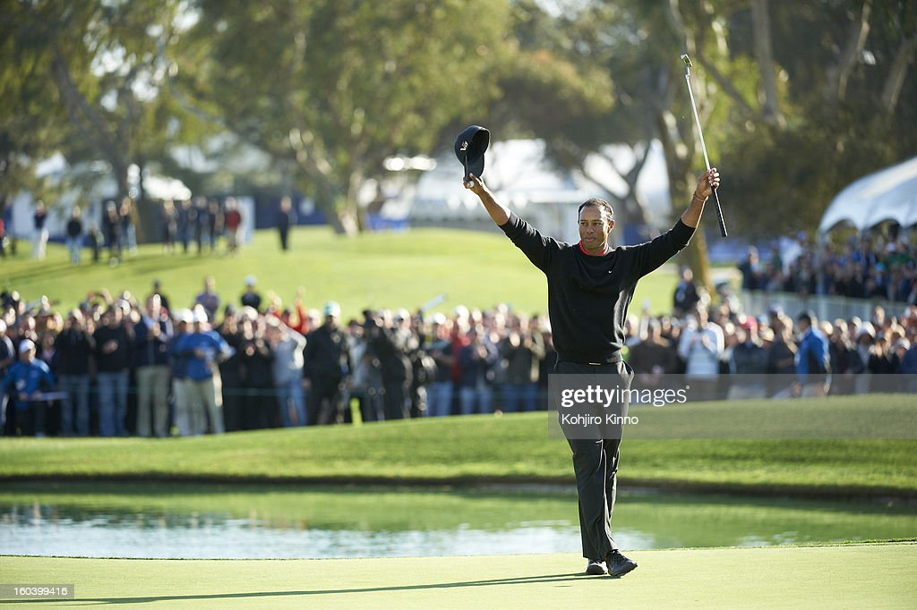 Tiger Woods victorious during Monday play at Torrey Pines. Kohjiro Kinno F55 )