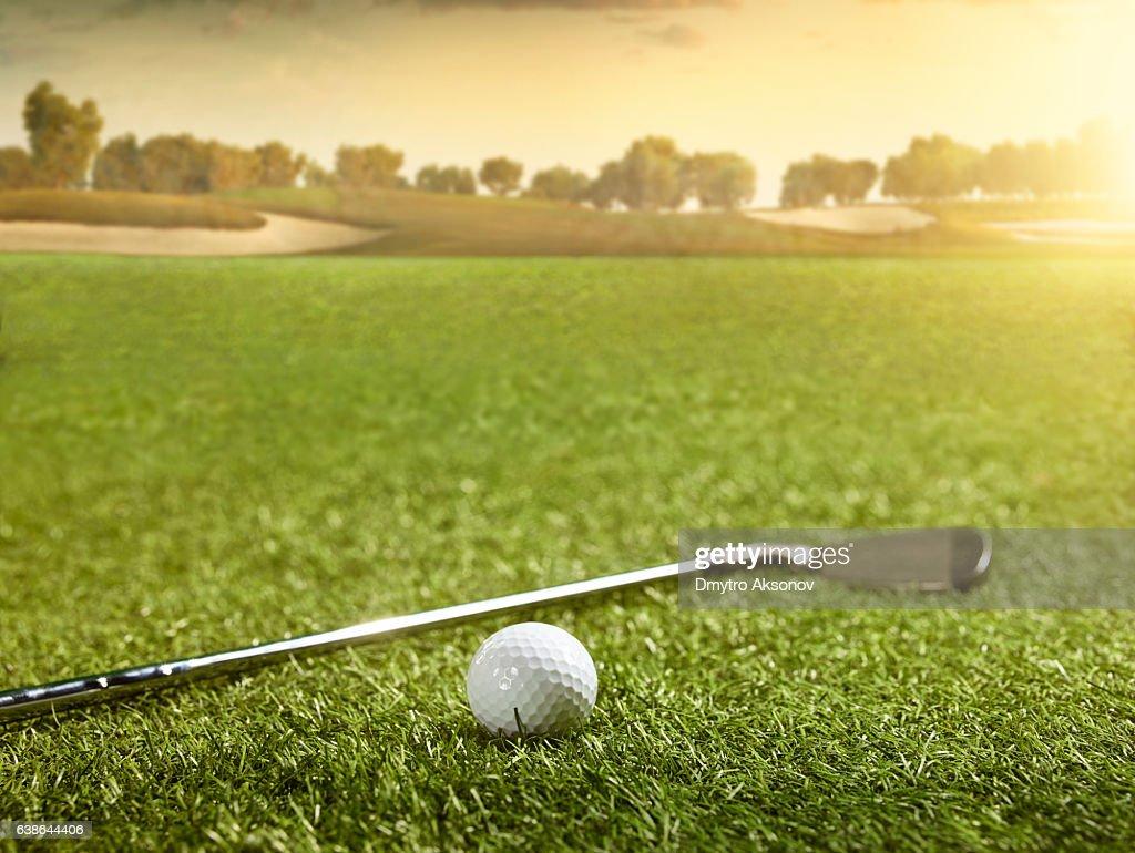 左へ巻いてしまうゴルファーはどんなクラブを選ぶといいの?