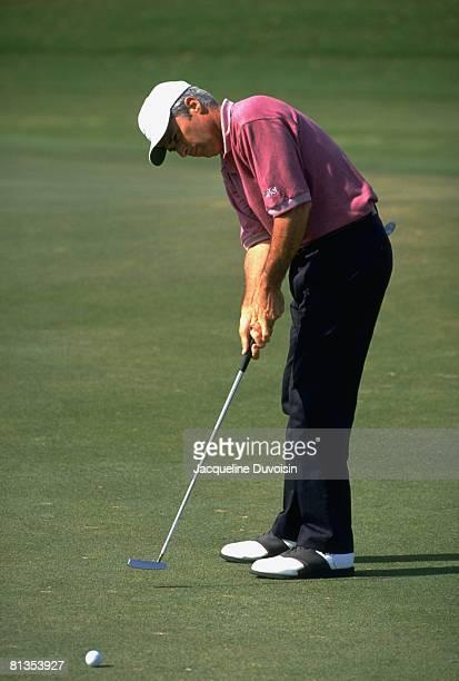 Golf Honda Classic Curtis Strange in action putt during tournament at Weston Hills GCC Weston FL 3/10/19943/13/1994