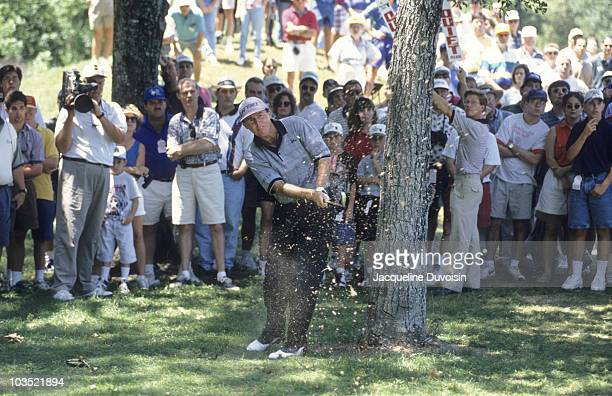 Scott Hoch in action from rough on Sunday at TPC at The Woodlands. Houston, TX 4/30/1995 CREDIT: Jacqueline Duvoisin